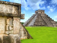 Мексика. Чичен-Ица. Kukulkan pyramid of Chichen Itza in Mexico, one of 7 New Wonders. Фото Mustang_79 - Depositphotos