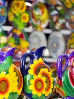 Мексика. Канкун. Local craft at souvenir market in Cancun, Mexico. Фото urban_light - Depositphotos