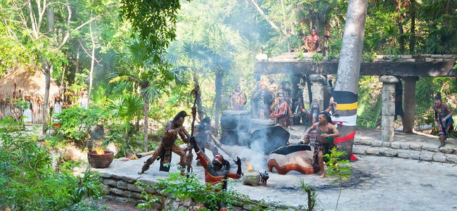 Мексика. Xcaret. Pre-Hispanic Mayan performance in the jungle. Фото Mustang_79 - Depositphotos