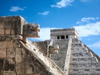 Мексика. Chichen Itza, Mexico, view from the Venus platform. Фото Nataliya Hora - Depositphotos