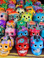 Мексика. Aztec skulls Mexican Day of the Dead colorful. Фото lunamarina - Depositphotos