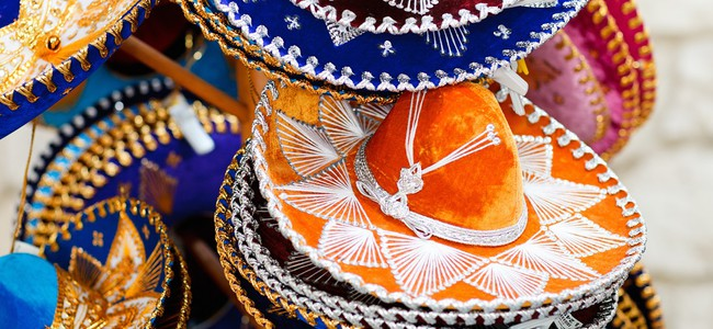 Мексика. Traditional colorful mexican sombrero hats. Фото shalamov - Depositphotos