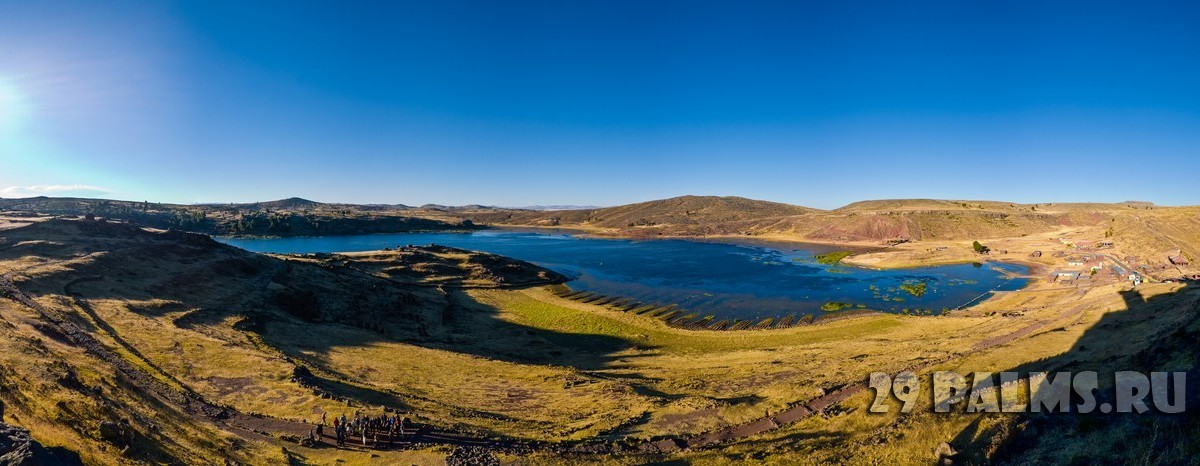 Peru Sillustani panorama late afternoon deep sun. Фото Joerg Sinn - Depositphotos