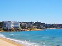 Испания. Коста Дорада. Seaside view. Costa Dorada, Spain. Фото  Jekaterina Kaskura - Depositphotos