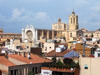 Испания. Каталония.  Tarragona cathedral view from Praetorium. Фото Павел Кириченко - Depositphotos