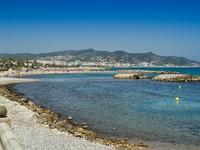 Испания. Каталония. Sitges beach. Фото Alex Salcedo Desplans - Depositphotos