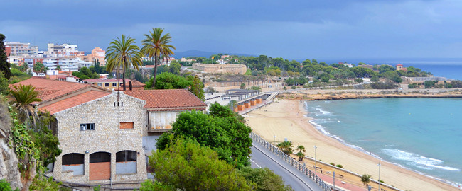 Испания. Каталония.  A panoramic view of Tarragona, in Spain. Фото Ferdiperdozniy - Depositphotos