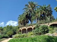 Испания. Барселона. Парк Гуэль (арх. А.Гауди). Barcelona Gaudi's Guell park. Фото Fierylily - Depositphotos