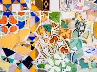 Испания. Барселона. Парк Гуэль (арх. А.Гауди). Mosaic in Parc Guell, Barcelona. Фото  Pere Sanz - Depositphotos