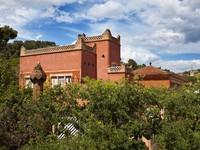 Испания. Барселона. Парк Гуэль (арх. А.Гауди). Gaudi's building. Фото Konstantin Kulikov - Depositphotos
