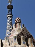 Испания. Барселона. Парк Гуэль (арх. А.Гауди). Gaudi roof - Barcelona. Фото Ferenc Ungor - Depositphotos