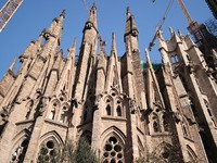 Испания. БарселонSagrada Familia church in Barcelona, Spain. Фото Krzysztof Janczewski - Depositphotos