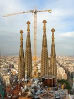 Испания.Барселона Собор Святого Семейства (арх. А.Гауди).Building Sagrada Familia, Barcelona. Фото Mario Savoia - Depositphotos