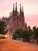 Испания. Барселона Собор Святого Семейства. La Sagrada Familia - the impress. Фото Luciano Mortula - Depositphotos