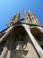 Испания. Барселона Собор Святого Семейства. Sagrada familia church, Barcelona, Spain. Фото Elenaphotos21 - Depositphotos