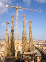Испания. Барселона Собор Святого Семейства (арх. А.Гауди).Towers of Sagrada Familia. Фото Ekaterina Krasnikova - Depositphotos