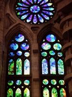 Испания. Барселона Собор Святого Семейства. Stained glass window in Sagrada Familia. ФотоBezuglov Andrey - Depositphotos