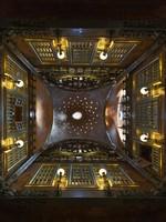 Испания. Барселона. Дворец Гуэль. Dome of Palau Guell Palace. Фото Jan Willem Van Hofwegen - Depositphotos