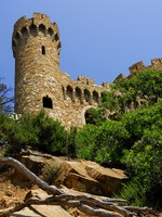 Испания. Коста Брава. Льорет-де-Мар. Castle Sant Joan in Lloret De Mar, Costa Brava. Фото severija - Depositphotos