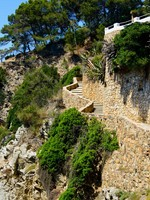 Испания. Коста Брава. Льорет-де-Мар. Stairs lloret. Фото Nanisimova_sell - Depositphotos
