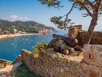 Испания. Коста Брава. Тосса-де-Мар. Tossa de Mar. Costa Brava, Spain. Фото Arsty - Depositphotos