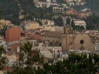 Испания. Коста Брава. Тосса-де-Мар. View at cathedral at Tossa de Mar, Spain. Фото Andrejs Pidjass - Depositphotos