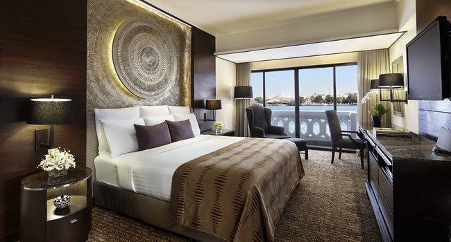 Клуб путешествий Павла Аксенова. Anantara Bangkok Riverside Resort & Spa. Anantara_Riverfront_Suite_Bedroom