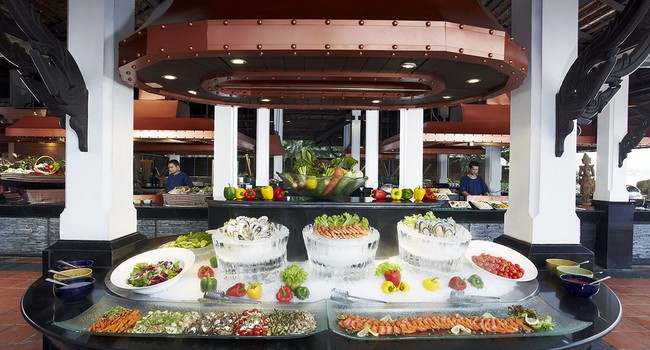 Клуб путешествий Павла Аксенова. Anantara Bangkok Riverside Resort & Spa. Riverside_Terrace_buffet