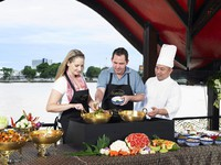 Клуб путешествий Павла Аксенова. Anantara Bangkok Riverside Resort & Spa. Cooking_Class_on_Manohra_Cruise