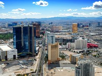 Las Vegas, Nevada. Skyline with hotels on strip. Фото Songquan Deng - Depositphotos
