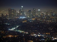 City of the Angeles. Late night view from the top of Mt. Hollywood. Фото trekandshoot - Depositphotos