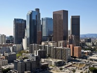Downtown Los Angeles towers and apartments on a clear winter day. Фото trekandshoot - Depositphotos