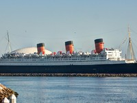 Historic Queen Mary Ship at Long Beach Harbor. Фото wpd911 - Depositphotos