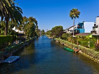 Old canals of Venice, build by Abbot Kinney in California, beautiful living area. Фото Joerg Hackemann - Depositphotos