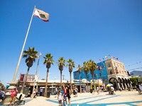 Venice Beach, CA. Venice Beach, CA. This beachfront area is known for its Ocean Front Walk pedestrian promenade. Фото lisa combs - Depositphotos