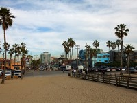 Looking upon downtown Venice Beach Streets, CA. Фото Daina Falk - Depositphotos