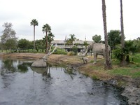 The La Brea tar pits in Los Angeles. George C. Page Museum of La Brea. Фото Евгения Голова