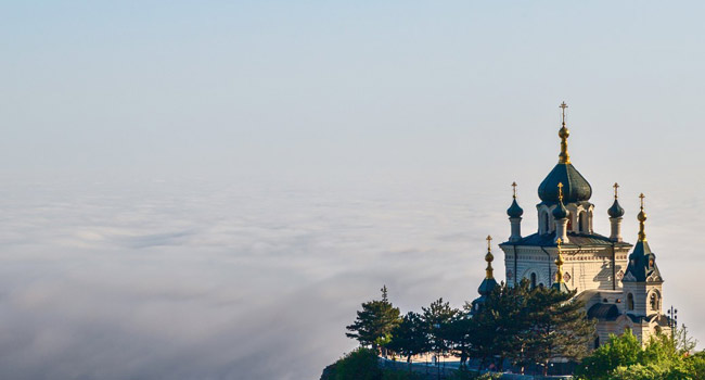 Крым. Standing alone in the mountains Orthodox Church. Crimea, Foros. Фото F_D_ - Depositphotos