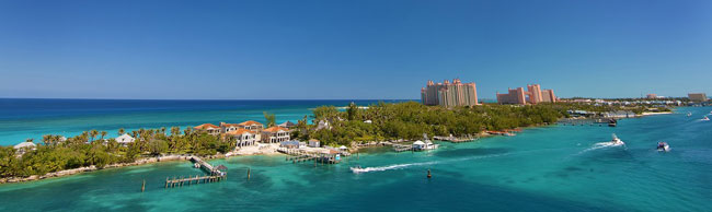 Atlantis Paradise Island Bahamas. Фото costinc79 - Depositphotos