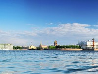 View of Saint Petersburg from Neva river. Russia. Фото Ivantagan - Depositphotos