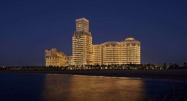 Клуб путешествий Павла Аксенова. ОАЭ. Рас-эль-Хайма. Waldorf Astoria Ras al Khaimah. Exterior Night