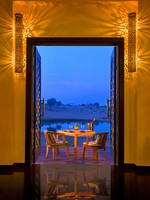 ОАЭ. Рас-эль-Хайма. Banyan Tree Al Wadi. Restaurant Safran Terrace_Dinner
