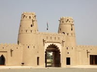 ОАЭ. Абу Даби. Форт Аль-Джахили. Al Jahili Fort in Al Ain, Emirate of Abu Dhabi. Фото philipus - Depositphotos
