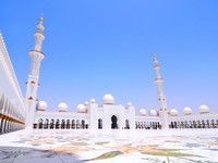 ОАЭ. Абу-Даби. Мечеть шейха Зайда. Sheikh Zayed mosque or grand mosque in Abu Dhabi. Фото FineShine - Depositphotos
