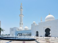 ОАЭ. Абу-Даби. Мечеть шейха Зайда. Abu Dhabi Sheikh Zayed White Mosque. Фото FineShine - Depositphotos