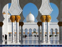 ОАЭ. Абу-Даби. Мечеть шейха Зайда. Sheikh Zayed Grand Mosque, Abu Dhabi. UAE. Фото Sophie_James - Depositphotos