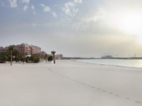 ОАЭ. Абу-Даби. Emirates Palace. Evening view to the Emirates Palace. Фото dasha11 - Depositphotos