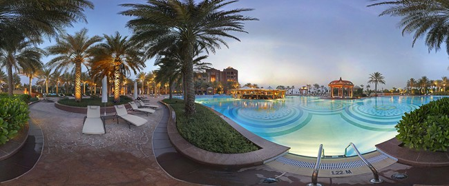ОАЭ. Абу-Даби. Emirates Palace. East Wing Pool